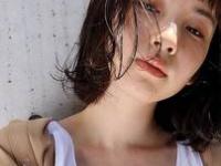 揺れるヘアスタイルで夏の風にもピッタリなSUMEER GIRLに♡
