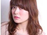 【モテ髪スタイル】春はミディアムが可愛い季節♡風に揺れる髪で落とす♡