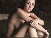 ※イメージ画像:片山萌美写真集『人魚』集英社