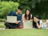 充実してたから? 今年の卒業生の85.6%が大学生活は「あっという間だった」と回答!