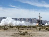 ブルーオリジンが開発したBE-3ロケットエンジンの燃焼試験(「Wikipedia」より)