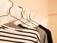 多すぎ!? 自分の着る服を母親に買ってきてもらう大学生は4割以上も!