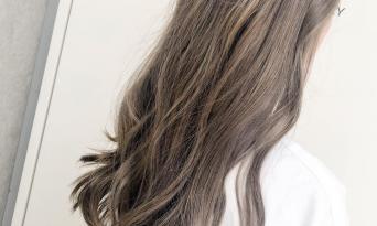 秋の支度をするなら、ベージュ系カラーで魅せる髪に