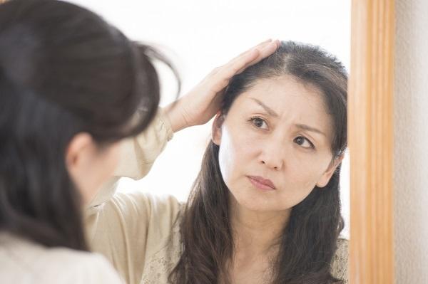 """白髪と薄毛は年齢とは関係ない?同時に改善する""""和漢エキス""""の凄いところ"""