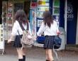 女子高生はたくましい!?(写真はイメージです)