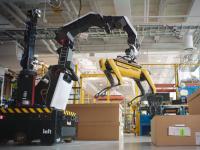 ボストンダイナミクスの新キャラ登場!吸盤付きの腕を巧みに使うロボット「ストレッチ(Stretch)」はタコ系なのか?
