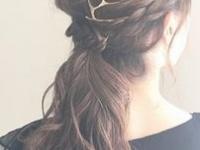 後ろ髪で美しく!フォーマルなシーンで上品に見せるヘアアレンジとは...