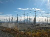 HAARPのアンテナアレイ(アラスカ州ガコナ) 画像は「Wikipedia」より引用