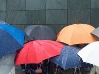 旅行中に雨が降って来たらどうする? 雨でも楽しい旅行にできるコツ