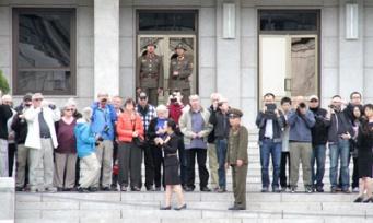 北朝鮮の団体旅行客