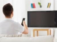 時間の視聴は認知機能の低下をもたらす!? Syda Productions/PIXTA(ピクスタ)
