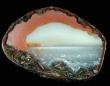 瑪瑙(メノウ)の中には小宇宙あった。その断面に見える幻想的な美しさ