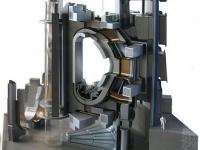 画像は、ITERのトカマク型核融合実験炉モデル 「Wikipedia」より引用