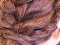 ありがちアレンジじゃ物足りない!三つ編み、くるりんぱだけで作る『プロ仕様』なヘアアレンジテクニック♪