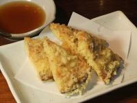 これがピザの天ぷら。写真は「10月と日曜日」提供
