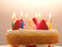 大学の友達への誕生日メッセージ、何で伝えるのが多い? 第2位:メール