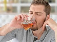 大酒飲みは「若年性認知症」に!?(depositphotos.com)
