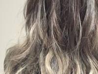 """伸ばしかけヘアに""""季節感""""をプラス♡『暗髪×グレージュ』で魅せる、""""最旬秋グラデーションカラー""""。"""
