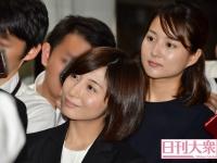 市來玲奈アナ(左)、永尾亜子アナ
