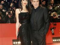 ジョージ・クルーニーと妻アマル