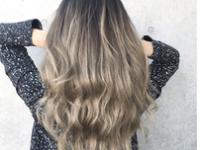 髪の毛をきれいに見せてくれるロングスタイル!冬カラーで年越し準備♡