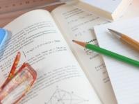 大学の教科書は新品を買うべき? 中古で手に入れるべき? 現役大学生の約7割は……