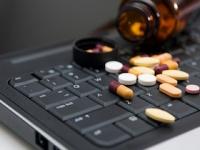 改正薬事法でネットを介して医薬品が購入できるようになったが……(shutterstock.com)