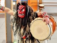 「なまはげ太鼓」の演奏風景(「Wikipedia」より)