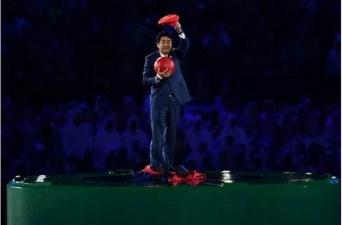 4年後の東京五輪・開会式でAKB48やEXILEより不安になるアノ男 プチ鹿島コラム