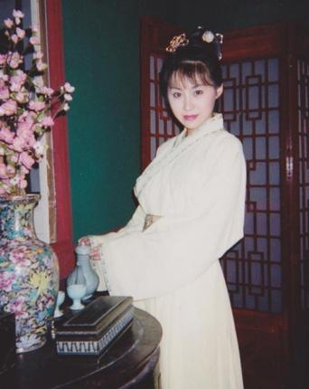 中国でセクシータレントとして活躍した和泉さなさん