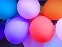 風船の破裂音で難聴に陥る危険性が(depositphotos.com)