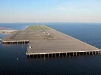 羽田空港の滑走路(「Wikipedia」より)