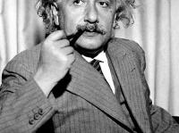 アインシュタイン 画像は「Wikipedia」より引用