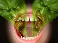 誰もが悩む得体の知れない口臭の正体とは? shutterstock.com