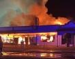コロナは消毒じゃ~!自分の店に火をつけた店主。買占め客と地元客の板挟みで思いつめ(オーストラリア)