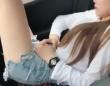 女性に何が起きたのか?走行中の車に乗るときにはシートベルトが必要な理由。