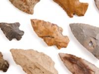 「石器」の痕跡から右利きが判明(shutterstock.com)