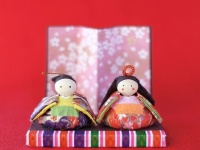 ひな人形を2月に飾ると良縁に恵まれるってホント?