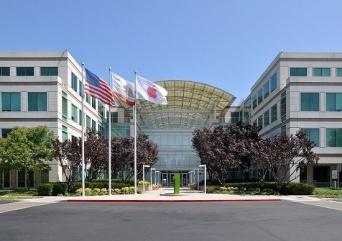 カリフォルニア州にあるアップル本社(「Wikipedia」より)