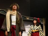 初主演の橋本祥平演じる菱田春草(左)と、青木志穏が演じる綾月芽衣(左)