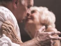 アメリカでは老いてからも「性生活」を楽しんでいる(depositphotos.com)