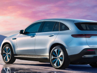 メルセデスベンツから初のSUVの電気自動車EQCを国内で発表!最新EVの航続距離や性能を徹底比較!