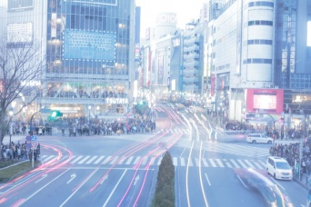 いつもの渋谷の街角で突然、自分の存在は真正面から否定される経験をした筆者