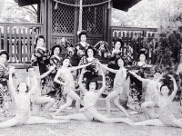金沢の粟崎少女歌劇団(『少女歌劇の光芒』より)
