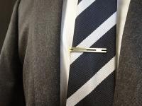 内定式のスーツ、ネクタイピンはつけるべき? 男性が内定式ファッションで気をつけるべきポイント