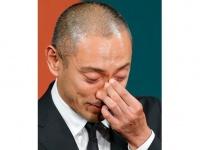 妻・小林麻央さんの死去についての記者会見に臨む歌舞伎俳優の市川海老蔵さん(日刊現代/アフロ)