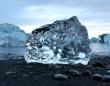 自然ってすごい!キラキラ輝くダイヤモンドのような氷が発見できるアイスランドのビーチ