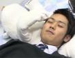 【動画】息が止まってたらやさしく顔を叩いてくれる、睡眠時無呼吸症候群を改善する枕型クマロボット「じゅくすい君」がかわいすぎる