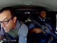 南アフリカで現金輸送車襲撃事件が発生。見事なドライビングテクニックで弾丸をかわしながらの脱出するまでの衝撃映像
