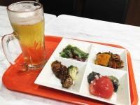 キッチンオリジンの生ビールと惣菜
